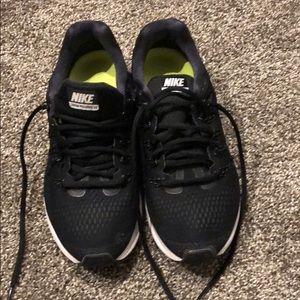 Women's size 8 Nike running shoes